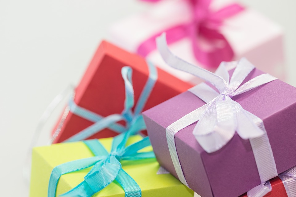 Cheap gifts to promote dental health