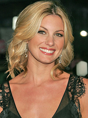 Hollywood Star Faith Hill with Invisalign
