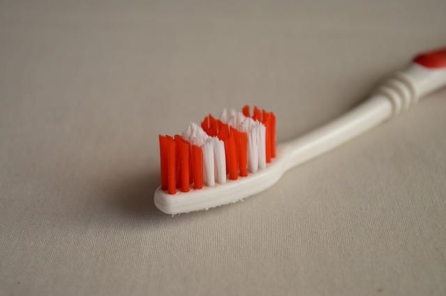 Toothbrush Wars: Team Manual vs. Team Electric